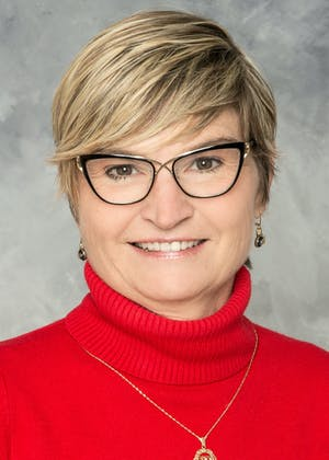 Portrait of Holly Kaplan